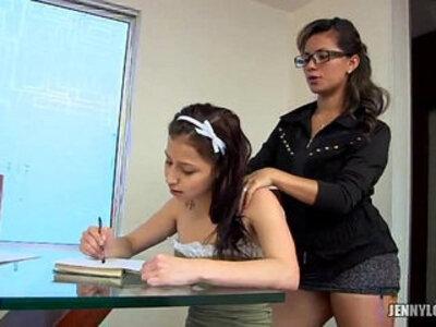 latinas lesbianas aprendiendo ingles | -mexican-