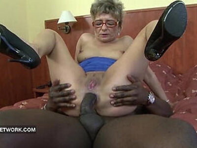 Granny wants to fuck a big black cock | -bbc-granny-stepmom-