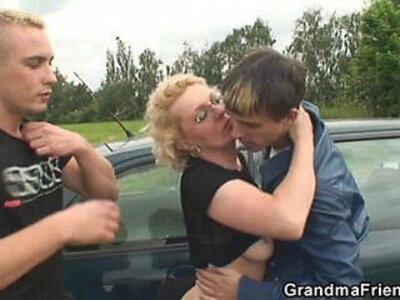 They pick up her from gas station and fuck in the fields | -grandma-pickup-