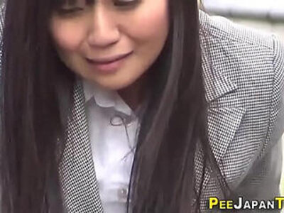 Hot japanese babe pisses   -goldenshower-japanese-