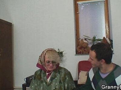 Old women gets her bald pussy slammed | -bald pussy-grandma-older-woman-