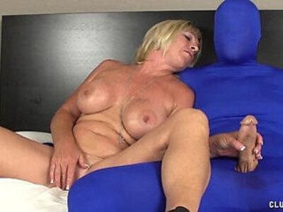 Dominant milf feels horny | -horny-lady-milf-