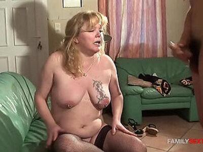 Step son plays with mature moms gaping asshole   -asshole-gaping-mature-mom-stepson-