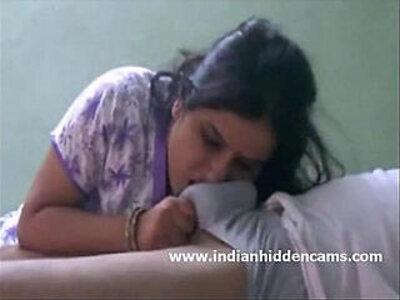 Indian Bhabhi Sucking Cock For Cumshot   -aunty-cock-cumshots-indian-sucking-