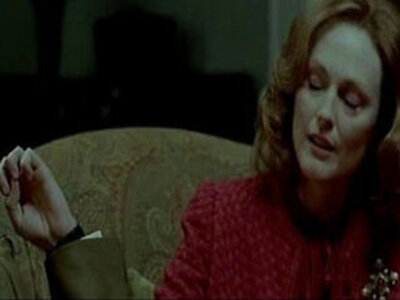 Julianne Moore the dominating mother | -mother-