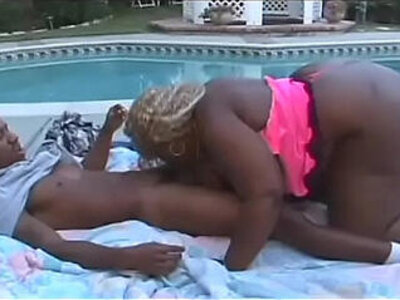 Big black fat ass loves to be shaken | -american-black-huge ass-love-