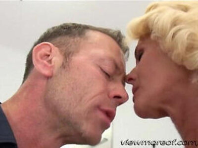 Director rocco fucks his new blonde chick dyana hot in his couch | -blonde-chick-couch-