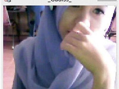Camfrog Indonesia Jilbab TiaraManis ID Gadiss Warnet   -indonesian-