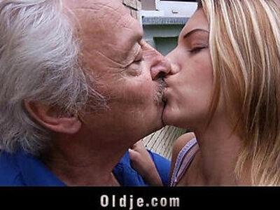 Oldman enjoys fucking apologies from nasty Bernice | -enjoying-missionary-nasty-old man-