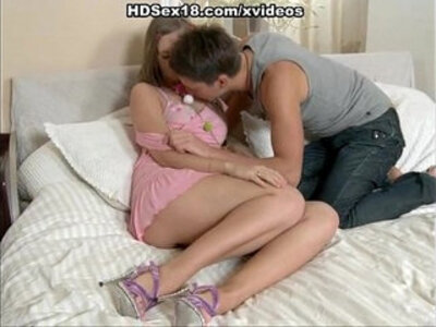 Young girl first time having sex | -first time-old man-young-