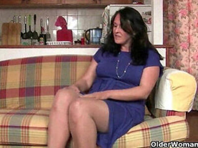 Are British moms compulsive masturbators? | -british-mom-