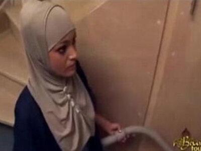 Arab maid deeply fucked | -arab-ass fucking-maid-