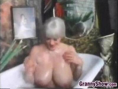 Busty Grandma In The Bath Tub Classic   -bathroom-busty-classic-grandma-