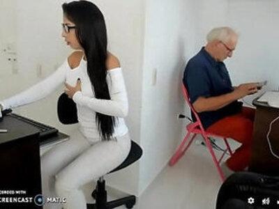 Con el abuelo | -grandpa-