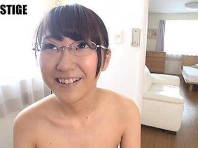 Aitsuki Haruna Glasses girl of old book store clerk porn Debut   -girl-glasses-older-wild-