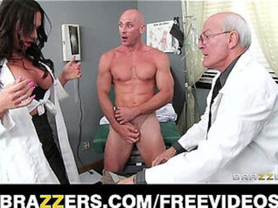Beautiful doctors assistant Destiny Dixon fucks hung patient | -beautiful-doctor-office-