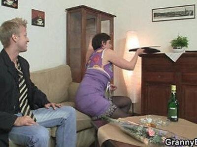 Hot sex with slutty granny   -granny-old man-slutty-