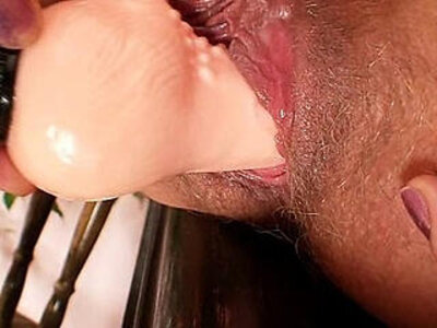 Amateur mature mom spreads meaty pussy   -amateur-mom-naughty-pussy-