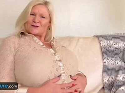 Matures Cindy and Lacey solo actions   -granny-mature-solo-