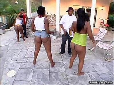 Mowetta | -big ass-
